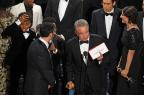 """Gafe histórica: atores anunciam Oscar de Melhor Filme por engano para """"La La Land"""" (Mark RALSTON/AFP)"""