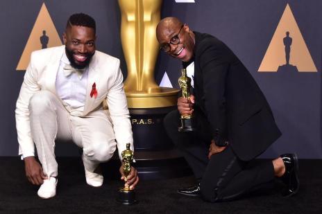 """Oscar: """"La La Land"""" e """"Moonlight"""" levam principais estatuetas; premiação tem mico histórico (FREDERIC J. BROWN/AFP)"""