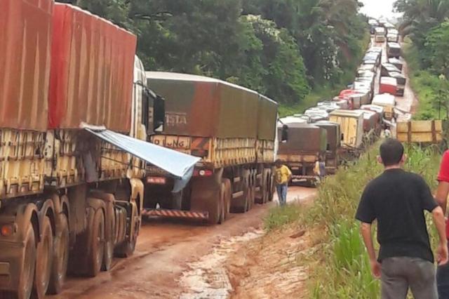 Tráfego na BR-163, no Pará, volta a ser interrompido por causa da chuva divulgação/Associação dos Transportadores de Cargas de Mato Grosso