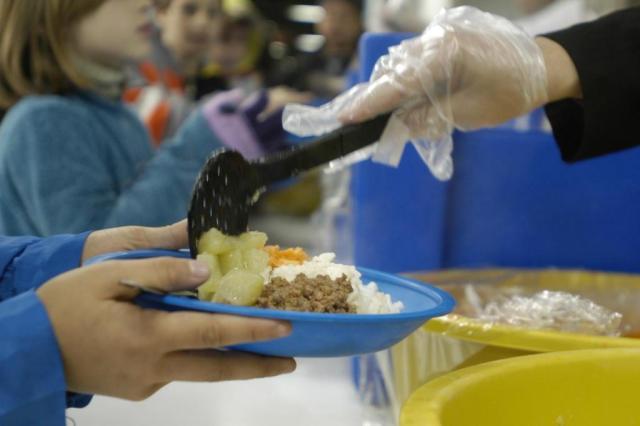 Prefeitura de Porto Alegre restringe quantidade de carne na merenda dos alunos Artur Moser / Agência RBS/Agência RBS