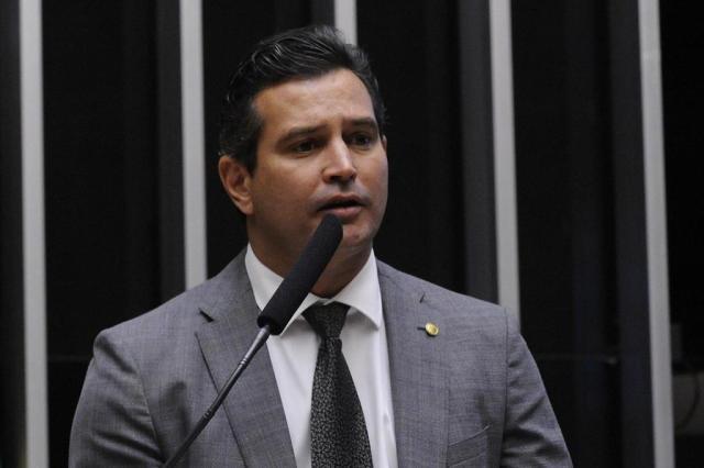 """""""O preço da passagem vai cair"""", diz ministro da Aviação Civil Luis Macedo/Câmara dos Deputados"""