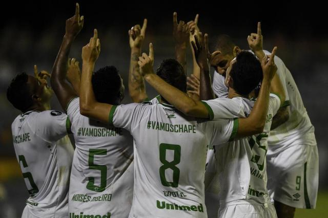 Chapecopense encara o Lanús em jogo histórico pela Libertadores JUAN BARRETO/AFP