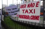 Em protesto, taxistas pedem mais fiscalização ao Uber e outros aplicativos