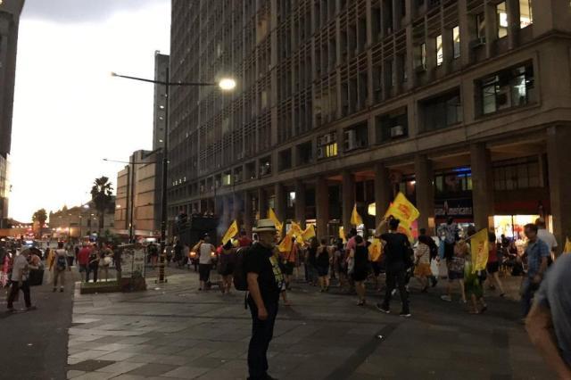 Porto Alegre teve tarde de manifestações Marina Pagno/Rádio Gaúcha