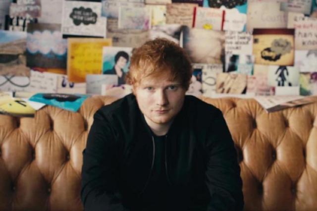 """Ed Sheeran conta que dividirá cena com Arya Stark em """"Game of Thrones"""" e brinca: """"Eu não morro"""" Reprodução/YouTube"""