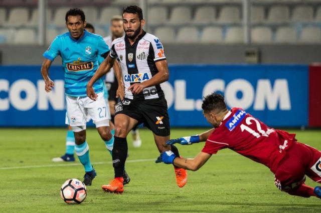 Santos empata fora de casa com o Sporting Cristal em estreia na Libertadores ERNESTO BENAVIDES/AFP