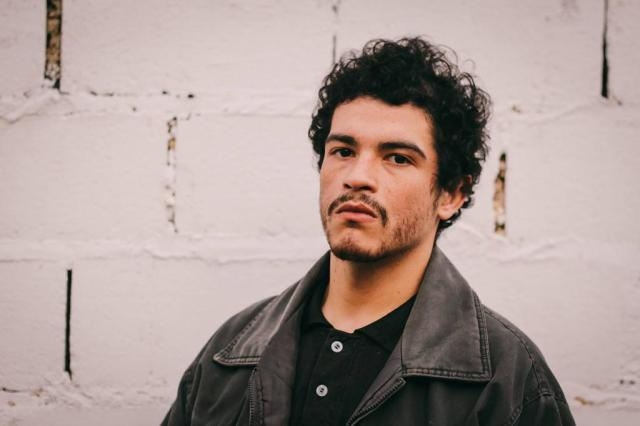 """""""O veículo de toda a mudança é o amor"""", afirma rapper Neto, do projeto Síntese Vinicius Moreira/Divulgação"""