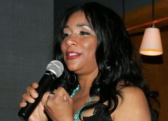 Morre Joni Sledge, integrante do grupo Sister Sledge AFP/AFP PHOTO / GETTY IMAGES NORTH AMERICA / Bryan Bedder
