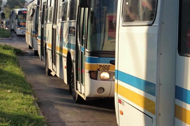 Empresas de ônibus não pagarão aumento a rodoviários antes de reajuste na tarifa Eduardo Cardozo/Rádio Gaúcha/Agencia RBS