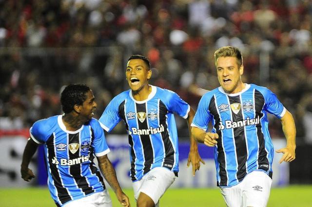 Mesmo merecendo vencer, o empate não foi ruim para o Grêmio Tadeu Vilani/Agencia RBS