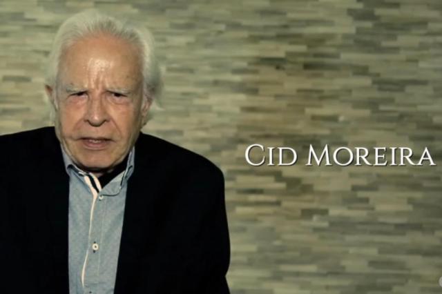Prestes a completar 90 anos, Cid Moreira bomba no YouTube lendo trechos da Bíblia Reprodução/YouTube