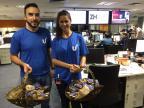 """Equipe da Unisinos visitou a Redação com """"pão quentinho"""" Lúcia Pires / Agência RBS/Agência RBS"""