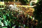 Milhares de pessoas lotam a Rua Padre Chagas no Saint Patrick's Day Isadora Neumann/Agência RBS
