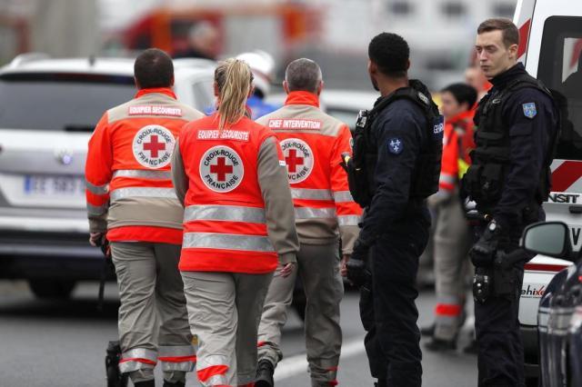 Homem foi morto após tentar pegar arma de militar em aeroporto de Paris Benjamin Cremel/AFP