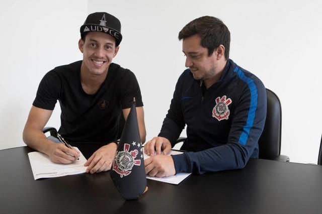 Corinthians anuncia renovação de contrato de Rodriguinho até 2019 Daniel Augusto Jr / Ag.Corinthians/Ag.Corinthians