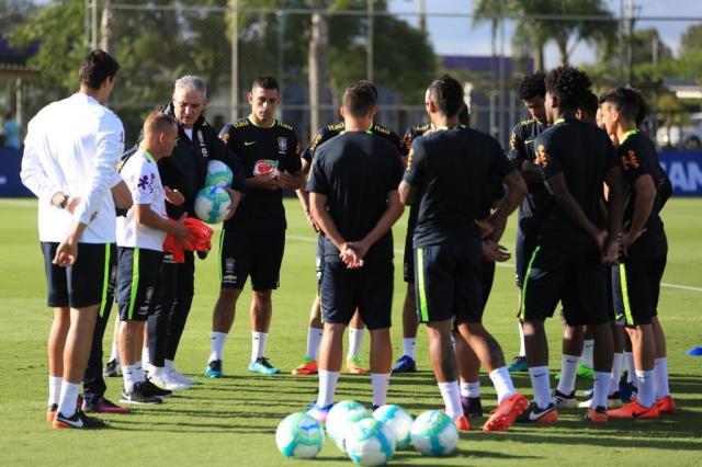 Ainda incompleta, Seleção treina no CT do Corinthians para jogo contra o Uruguai Lucas Figueiredo/CBF