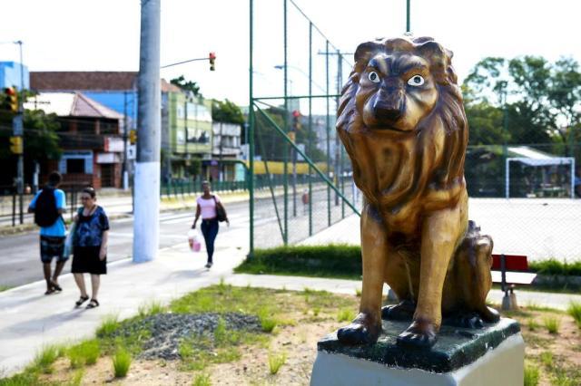 Monumento de leão bizarro revolta classe artística em Porto Alegre Anderson Fetter/Agência RBS