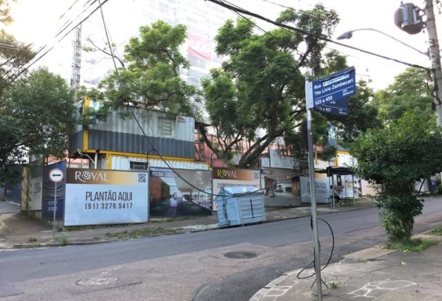 Após um ano, fios arrebentados de telefonia são retirados em Porto Alegre Paulo Rocha/Rádio Gaúcha