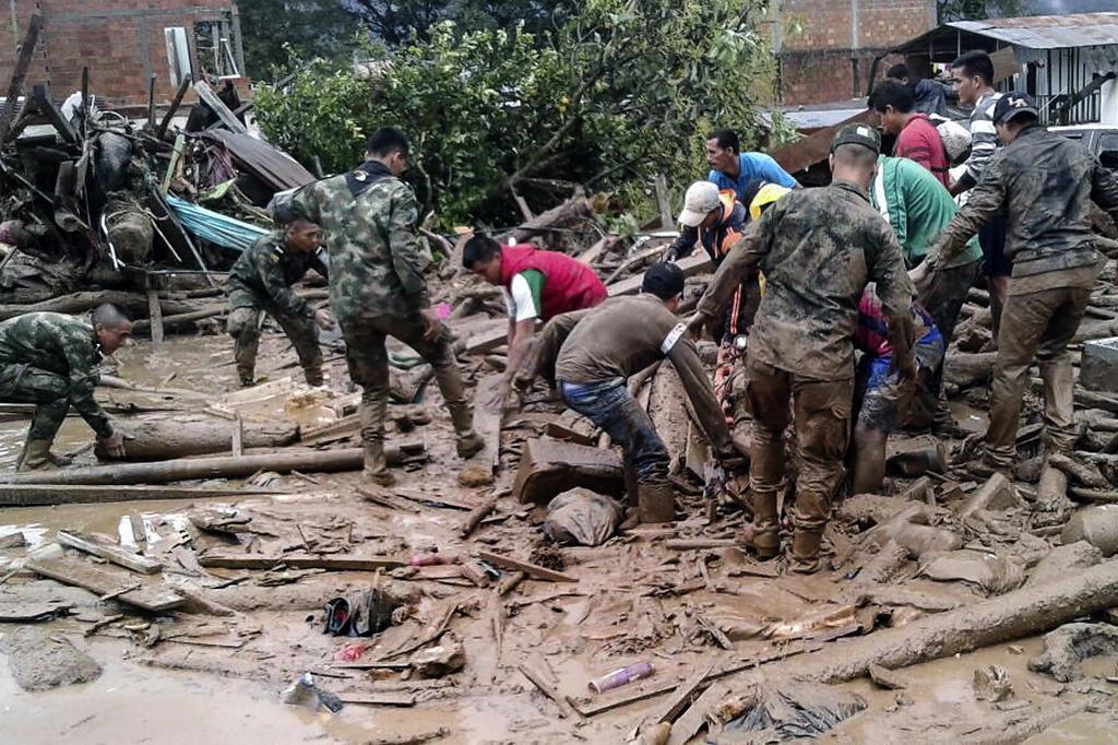 Deslizamento de terra deixa mais de 250 mortos e comove Colômbia EJERCITO DE COLOMBIA/AFP