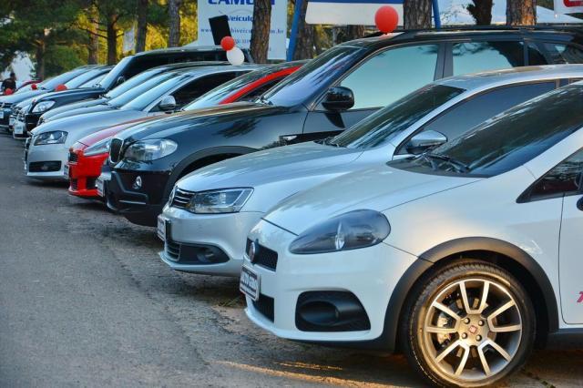 Vai comprar um carro usado? Como saber se o veículo está irregular? Gabriel Haesbaert/Especial