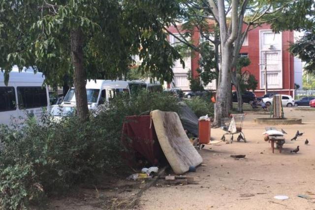 Praça no bairro Santana, em Porto Alegre, sofre com lixo e falta de manutenção Marina Pagno/Rádio Gaúcha