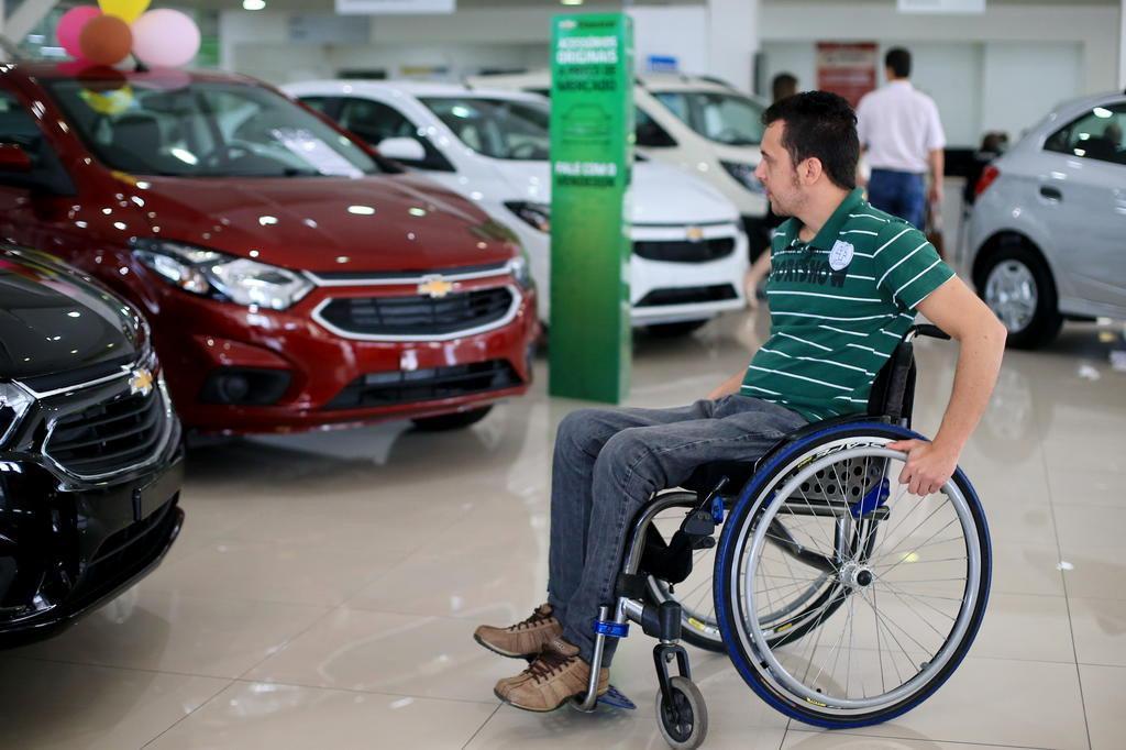 Saiba como pessoas com deficiência podem comprar carro zero sem impostos Bruno Alencastro/Agencia RBS