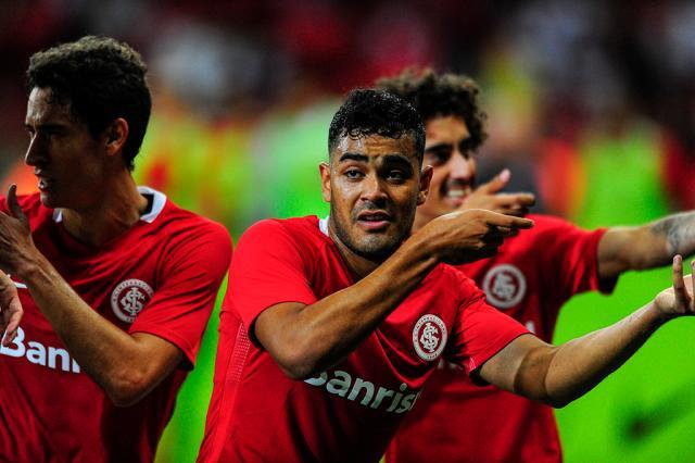 """Felipe Bortolanza: cartão vermelho para os """"artilheiros"""" Félix Zucco / Agência RBS/Agência RBS"""