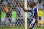 Porto vence o Belenenses, assume a ponta e coloca pressão no Benfica MIGUEL RIOPA/AFP