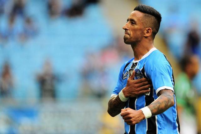 Lucas Barrios ganha destaque na imprensa paraguaia antes de Guaraní-PAR x Grêmio BRUNO ALENCASTRO/Agencia RBS