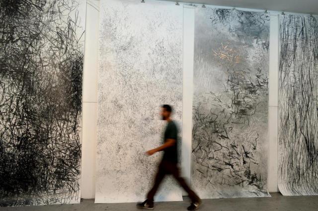 Coletivo de artistas Atelier D43 inaugura exposição com desenhos e vídeos realizados na França Atelier D43/Divulgação