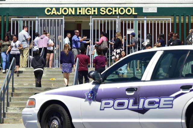 Atirador mata professora e aluno de 8 anos em escola na Califórnia FREDERIC J. BROWN/AFP