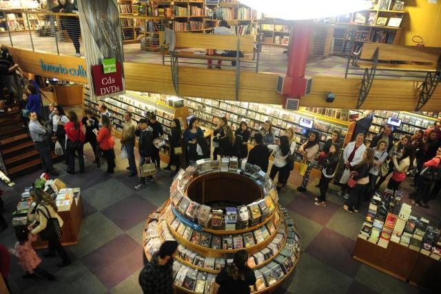 Grandes livrarias apostam em diversificação de produtos e e-commerce para driblar retração Ricardo Duarte/Agencia RBS