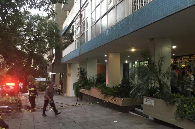 Apartamento pega fogo na Rua Duque de Caxias, no Centro Histórico Marina Pagno/Rádio Gaúcha