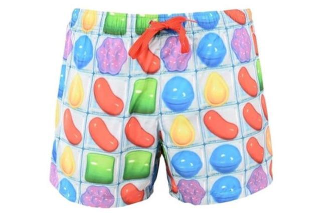 Jogo para celular Candy Crush ganha linha de roupas da marca italiana Moschino Divulgação/Moschino