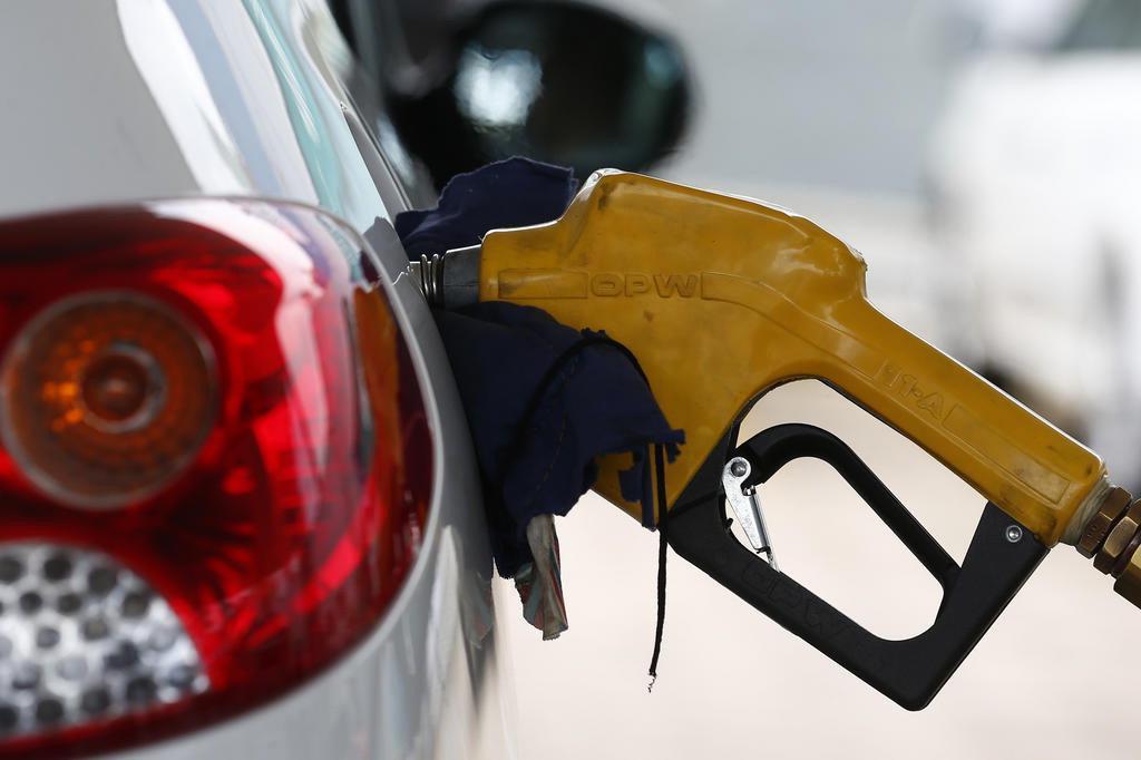 Mesmo com reajuste nas refinarias, postos da Capital ainda não aumentaram preço da gasolina