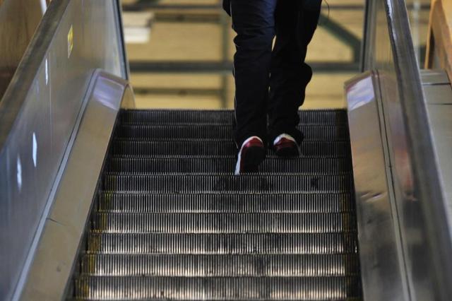 Seis escadas rolantes da Trensurb estão desativadas desde 2013 e outras cinco paradas sem previsão de conserto Lívia Stumpf/Agencia RBS