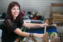 Conheça a história da designer têxtil Vera Felippi, que trabalha com tecelagem manual há 20 anos Andréa Graiz/Agencia RBS