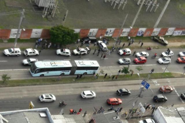 Trio é preso após perseguição e atropelamento na zona norte de Porto Alegre Divulgação/Brigada Militar