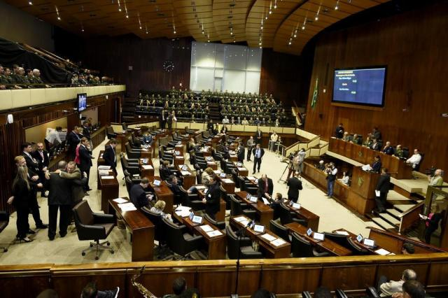 Deputados retiram quórum e adiam votação do salário mínimo regional Vinicius Reis/Agência ALRS
