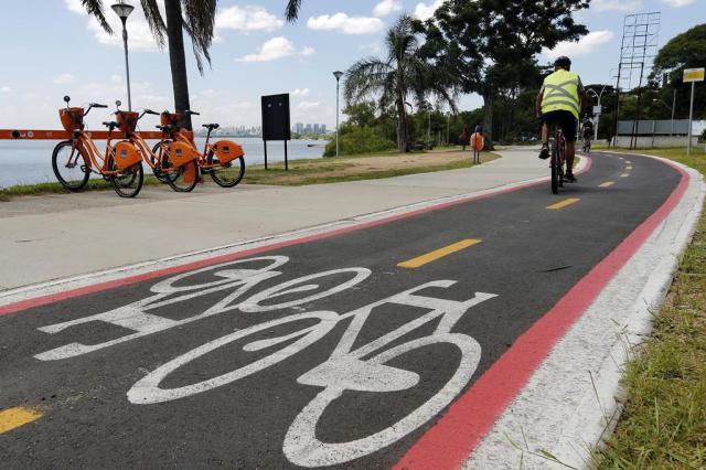 EPTC planeja mais 7 quilômetros de ciclovias em 2017; veja onde serão Mateus Bruxel/Agencia RBS