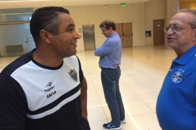 FOTO: Roger reencontra dirigentes do Grêmio no Paraguai José Alberto Andrade / Rádio Gaúcha/Rádio Gaúcha
