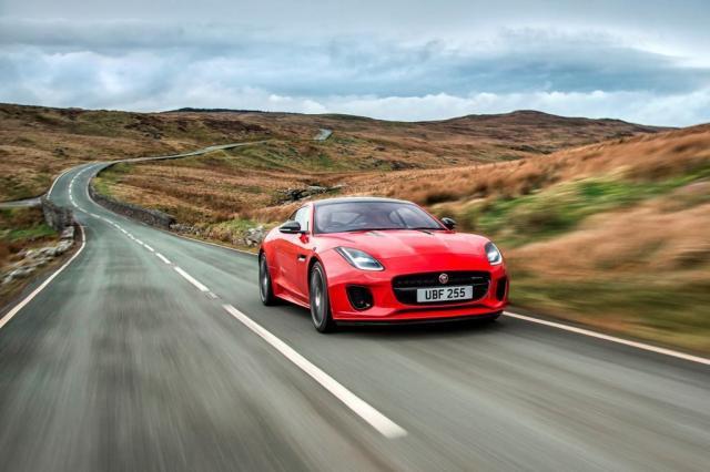 Jaguar coloca no F-Type o menor e mais forte motor de quatro cilindros Divulgação/Jaguar Land Rover