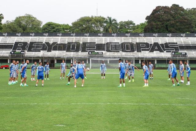 Na casa do Rei de Copas do Paraguai, Grêmio treina e mantém mistério na escalação LUCAS UEBEL/GREMIO FBPA/Gremio.net