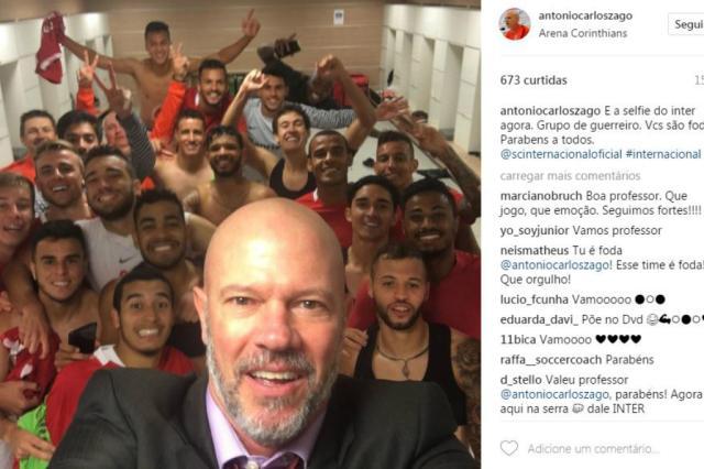 """Zago mantém tradição e faz selfie com jogadores do Inter: """"Grupo de guerreiros"""" Reprodução / Instagram/Instagram"""