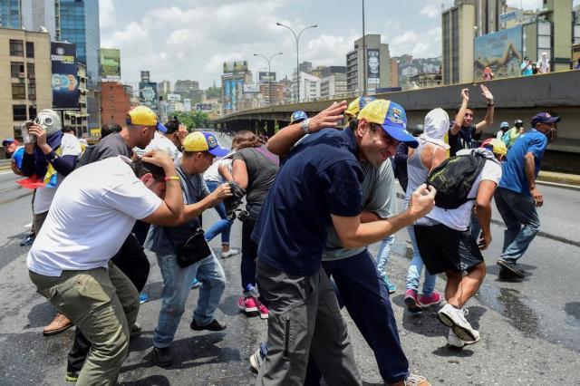 Governo militarizado e oposição unida tensionam a Venezuela RONALDO SCHEMIDT/AFP