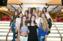 Debutantes da Casa NTX participam de jantar de gala Andréa Graiz/Agencia RBS