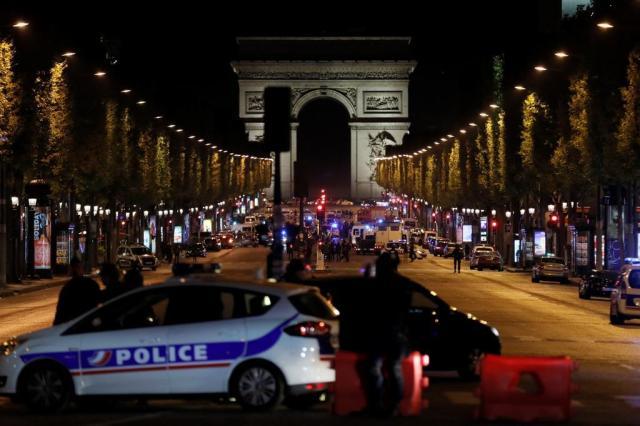 França indicia homem por atentado na Champs-Elysées THOMAS SAMSON/AFP