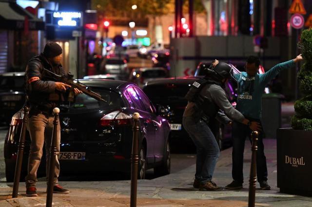 Quem era o responsável pelo ataque a Paris na noite de quinta-feira FRANCK FIFE/AFP
