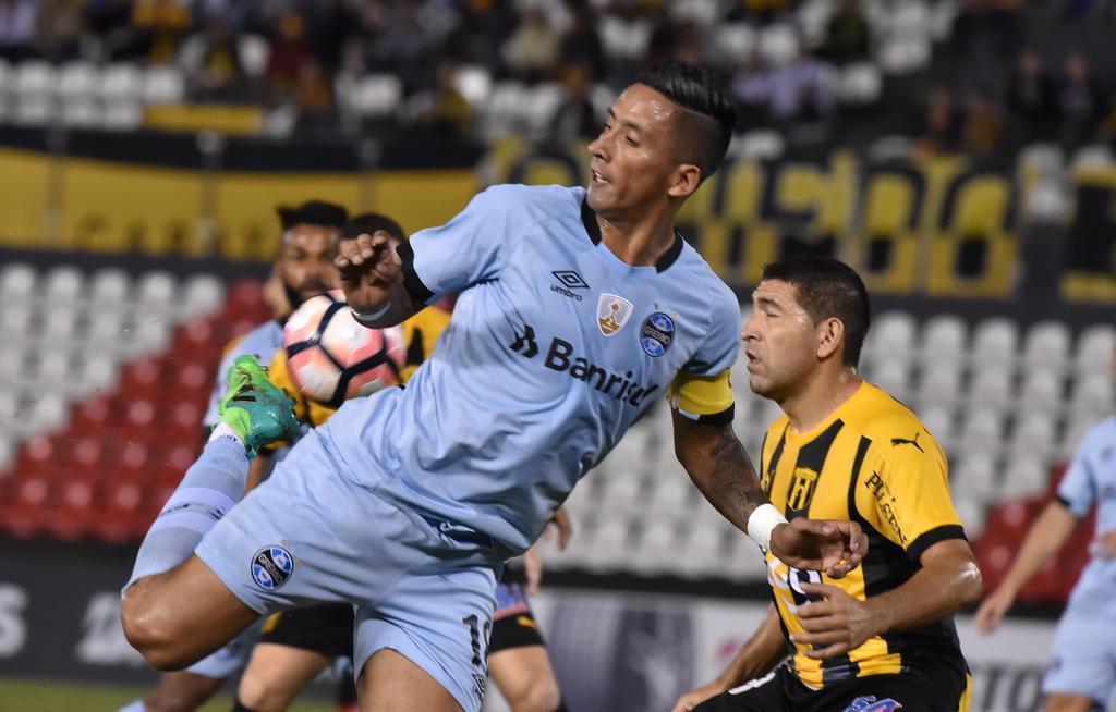 Distância, altitude, tradição: quem são os possíveis adversários do Grêmio nas oitavas (NORBERTO DUARTE/AFP)
