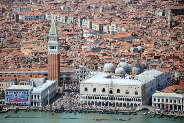Regiões italianas da Lombardia e Veneto vão realizar referendo sobre autonomia OLIVIER MORIN/AFP